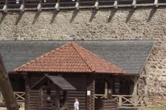 В замке 6
